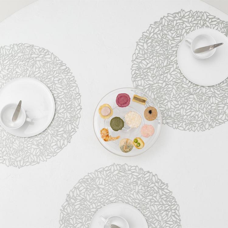 "Chilewich Coasters Set of 6 5x5/"" Dahlia Brass Gunmetal Petal Glacier Champagne"